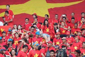 Tình yêu bóng đá và khát vọng Việt Nam