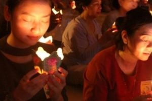 Hàng trăm người khóc trong lễ Vu lan ở ngôi chùa cổ nhất miền Trung
