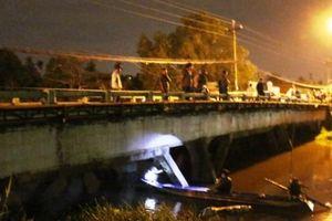 'Tàng hình' dưới sông nhiều giờ, đối tượng trộm xe vẫn không thoát