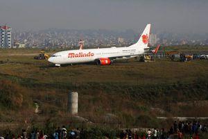 Máy bay trượt khỏi đường băng, sân bay Nepal tê liệt