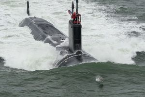 Mỹ nghiên cứu hệ thống cho phép tàu ngầm đối thoại với máy bay