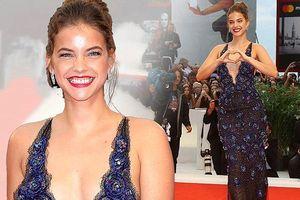 Người đẹp 9x Hungary Barbara Palvin gợi cảm đến 'choáng ngợp'