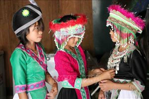Đồng bào dân tộc Mông ở Lai Châu hân hoan vui Tết Độc lập