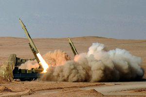 Lệnh cấm vận 'bủa vây',Iran lên kế hoạch tăng cường năng lực quốc phòng