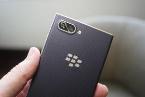 Chi tiết BlackBerry KEY2 LE: Camera kép, chip S636, giá hơn 9 triệu