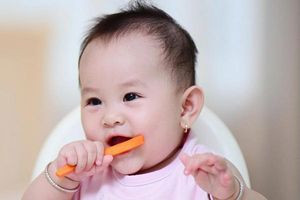 Trẻ 7 tháng tuổi ăn được những gì để 'lớn nhanh như thổi'?