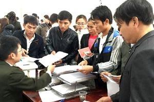 Đến tận công trình hướng dẫn pháp luật xuất nhập cảnh cho người nước ngoài