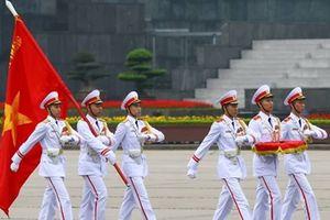 Xúc động lễ chào cờ trên Quảng trường Ba Đình lịch sử