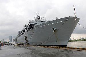 Tàu tấn công Hải quân Hoàng gia Anh thăm TP.HCM