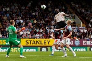 Man United thắng thuyết phục Burnley 2-0
