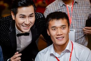 MC Nguyên Khang háo hức gặp gỡ các cầu thủ Olympic Việt Nam
