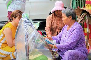 Gánh xôi bắp 33 năm ở Sài Gòn bán vào giờ 'lạ' vẫn hết sạch