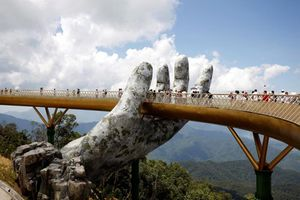 Cầu Vàng là hình ảnh ấn tượng nhất trong tháng 8 của hãng thông tấn Reuters