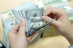 Tỷ giá ngoại tệ 3/9: Đồng USD vật chất 'áp chế' thị trường