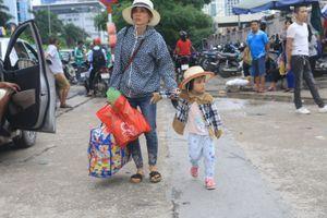 Người dân ùn ùn đổ về thủ đô sau kỳ nghỉ Lễ Quốc khánh
