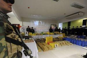Kho vũ khí của cảnh sát bị đánh cắp, thay thế bằng súng nhựa