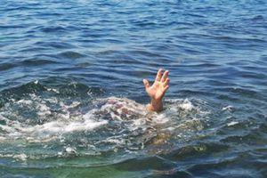 Sụt xuống hố sâu khi tắm biển, một học sinh vừa đỗ lớp 10 tử vong