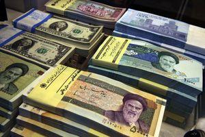 Đồng nội tệ Iran mất giá kỷ lục so với USD