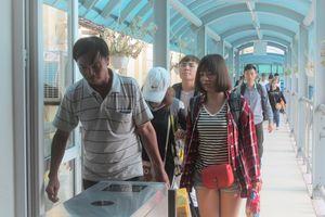 Hành khách dồn dập theo tàu về Hà Nội sau kỳ nghỉ 2/9