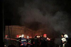 Quảng Nam: Cháy lớn tại kho gỗ 1.500 m2