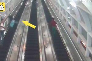 Thót tim clip người phụ nữ bị chiếc va li rơi trúng khi đang đi trên thang cuốn