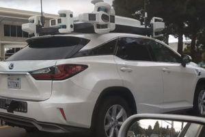 Nguyên mẫu xe tự lái của Apple gặp tai nạn ở gần trụ sở chính