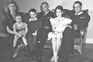 Đại gia đình 3 đời danh tiếng của Thượng nghị sỹ Mỹ John McCain