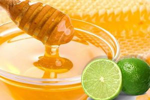 Tác dụng thần kỳ của việc uống nước chanh mật ong vào buổi sáng