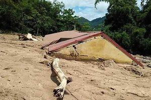 Nhiều nơi ở Thanh Hóa tan hoang sau cơn lũ dữ