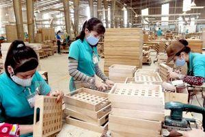 Mối nguy lớn khi đồ gỗ Trung Quốc 'đội lốt' hàng Việt để xuất khẩu
