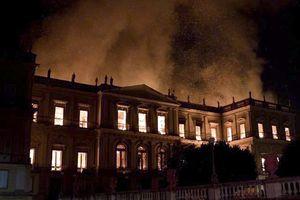 Brazil: Cháy bảo tàng quốc gia 200 năm tuổi