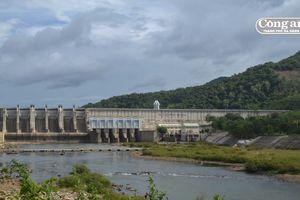 Nỗi lo mang tên thủy điện (Kỳ 2: Một dòng sông 'gánh' 14 thủy điện)