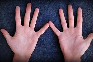 Bàn tay của người phụ nữ có số vượng phu có gì đặc biệt