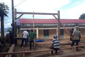 Thầy cô giáo ở Tu Mơ Rông cật lực dọn dẹp kịp khai giảng