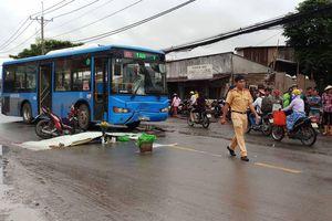 Xe máy lấn làn, va chạm trực diện xe buýt, 1 người tử vong tại chỗ