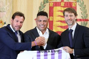 Ronaldo 'béo' trở thành ông chủ của CLB tại La Liga