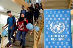 Mỹ cắt viện trợ, học sinh Palestine vẫn khai giảng trong trại tị nạn