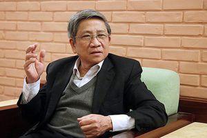 Nghìn tỷ chi cho SGK mỗi năm: GS Nguyễn Minh Thuyết nói gì?
