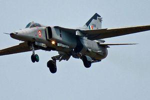 Máy bay chiến đấu MiG-27 rơi ở Ấn Độ, phi công thoát chết
