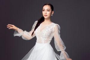 Mỹ Ngọc 'Duyên Dáng Bolero' rạng ngời với áo dài dịu dàng