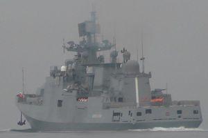 Xem dàn chiến đấu cơ, tàu chiến của Nga trổ tài gần bờ biển Syria