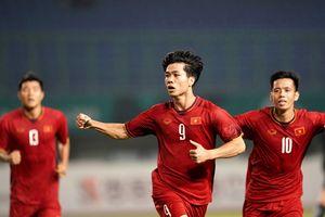 Dù tuột huy chương tại ASIAD 18, sức nóng U23 Việt Nam vẫn nhấn chìm làng showbiz suốt 7 ngày qua