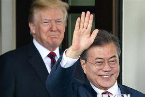 Tổng thống Hàn, Mỹ điện đàm về phi hạt nhân hóa ở bán đảo Triều Tiên
