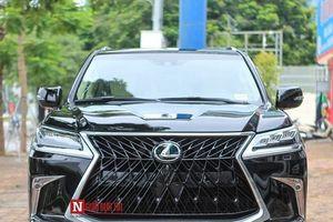 Tận mục 'chuyên cơ' Lexus LX570 2018 bản độc 4 chỗ tại Hà Nội