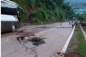 Sơn La: Sụt lún nghiêm trọng tại quốc lộ 6, nguy cơ tắc đường kéo dài