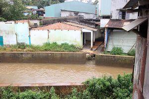 Dự án Kè chống sạt lở ở Gia Lai gây ngập lụt, nứt nhà dân