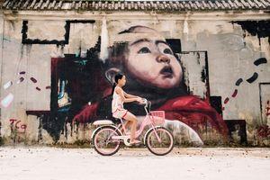 Tường dự án 100 tỷ đồng bỏ hoang thành đường bích họa đẹp như mơ