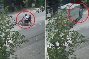 Clip: Xe máy sang đường như trong sân nhà, bị xe tải đâm thảm khốc