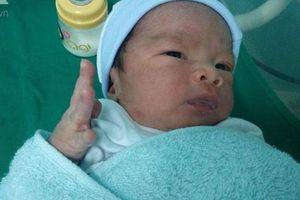 Bé trai chào đời vào rạng sáng 2/9, đến chiều mẹ biến mất khỏi bệnh viện