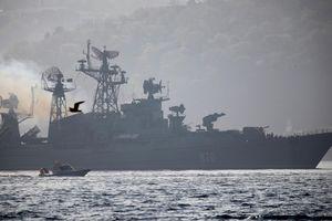 Ồ ạt tàu chiến Nga ngoài Syria: Moscow 'ngược dòng' cảnh báo tới phương Tây?